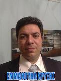 Εμμανουήλ Χρύσης με κοστούμι